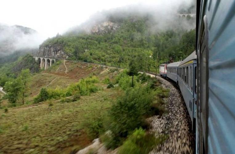 vlak mostar sarajevo