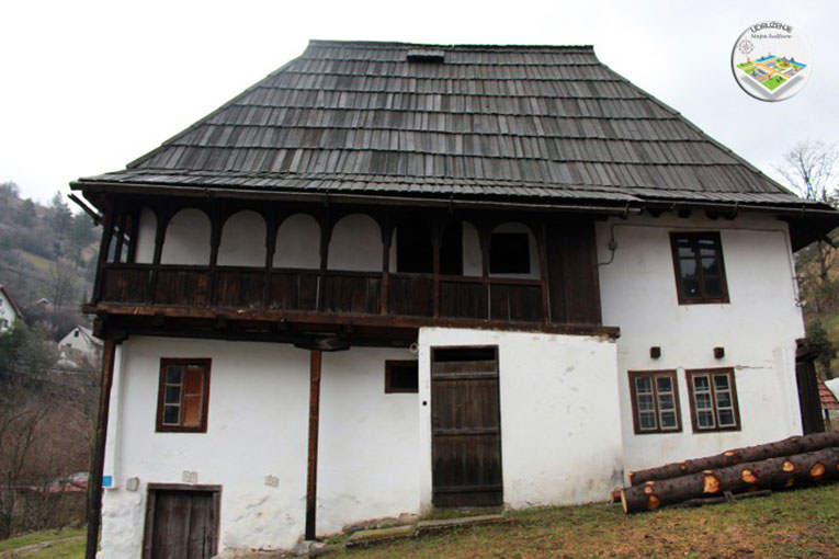 bosanska kuca vares